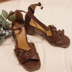 G.H. Bass & Co brown wedges